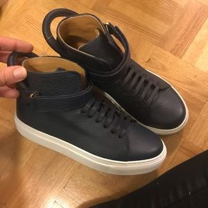 Brand new kids Buscemi shoes size 33